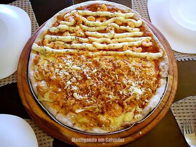 Cheiro de Pizza: Pizza meia Strogonoff de Frango meia Camarão com Catupiry