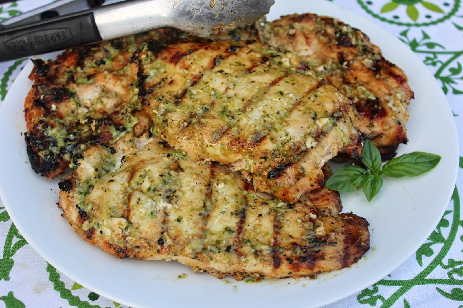 Recipe:  Chicken, Recipe:  Main Dish, easy marinade, grilling, barbecue marinade ideas, Summer Dishes, Summer Favorites, Easy Meal Ideas, Lemon Pesto Chicken Marinade