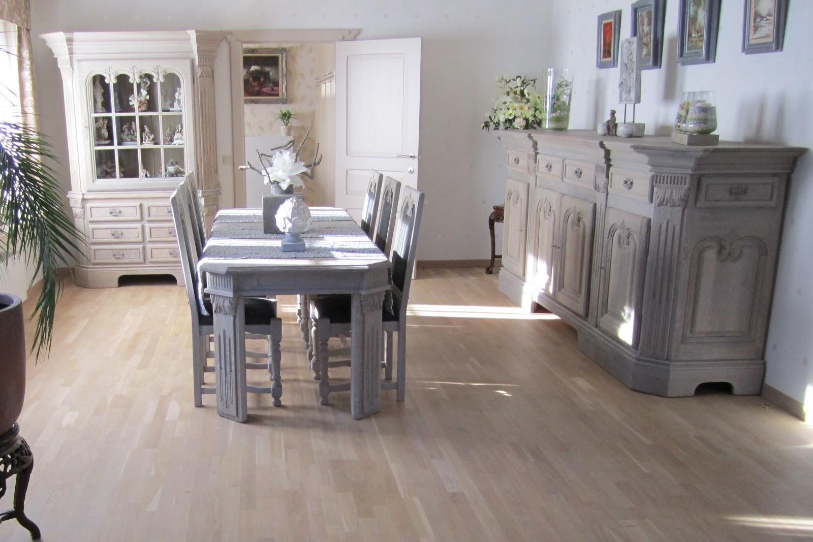 Eiken Keuken Laten Schilderen : Vernieuwen van eiken dressoir, vitrine, tafel en stoelen
