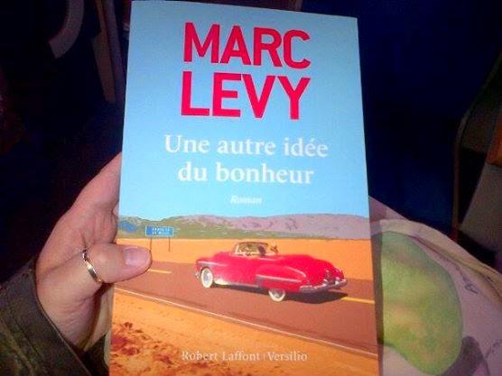 Le Monde De Noa Livre Une Autre Idee Du Bonheur De Marc Levy