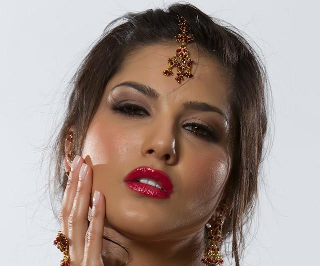 Indian Girl Sunny Leone Wallpaper
