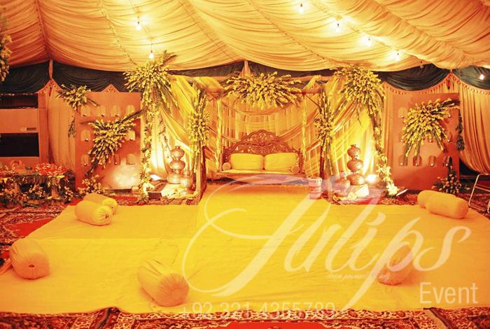 Mehendi stage decoration best pakistani wedding mehendi for Decoration pics