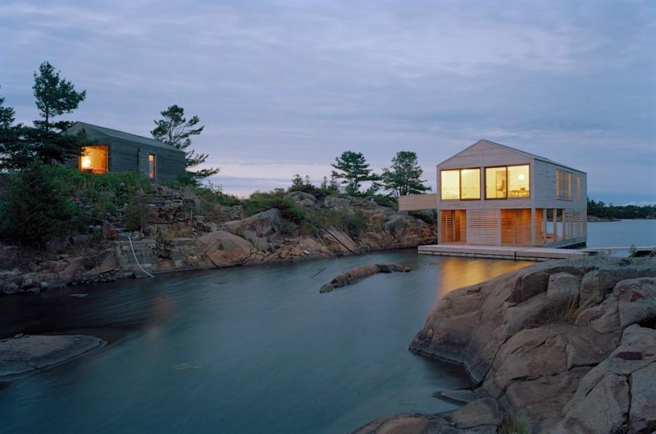 Initiales GG ... : Maison flottante au Canada...