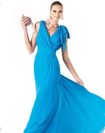 Vestido de novia con azul electrico
