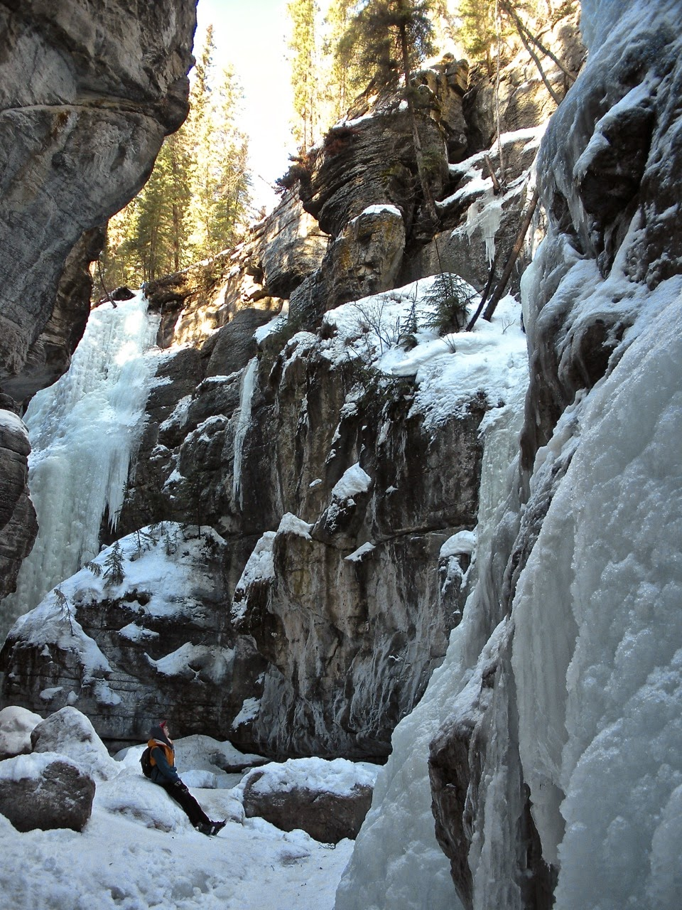 maligne canyon winter