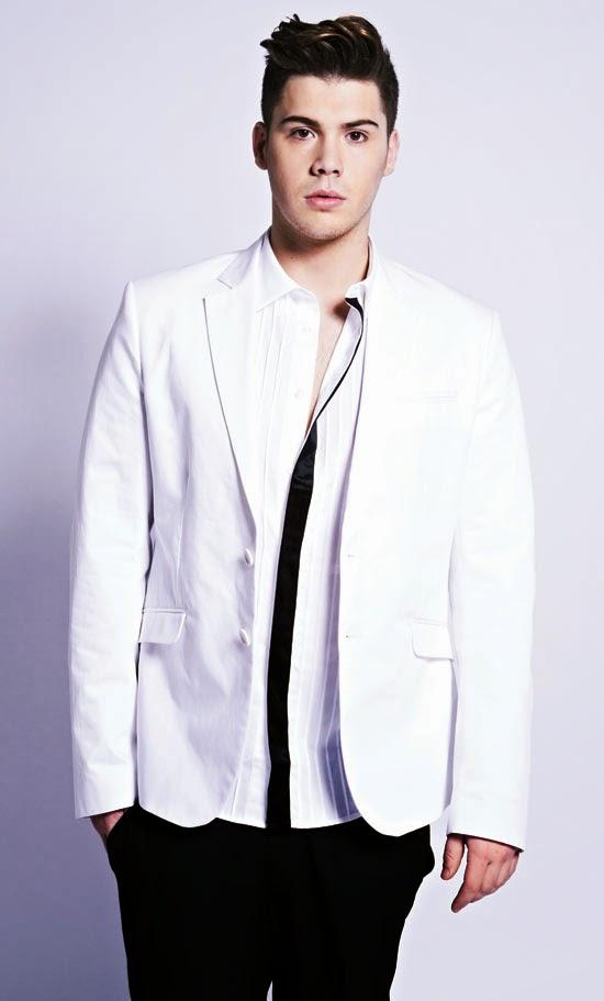 fortuna gay singles Se estima que su fortuna sobrepasa los us$510 millones primeros años imagen del rapero jay z en las  el álbum tuvo dos singles de éxito masivo,.