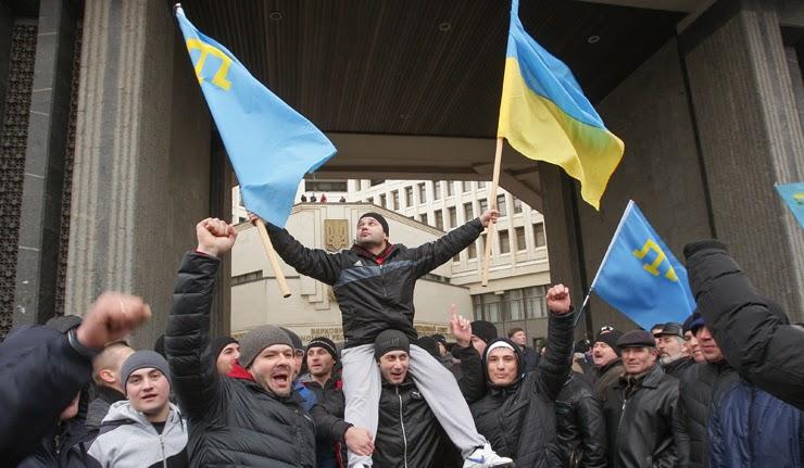 Ukrayna'da gerçekte neler oluyor? Batı Ukrayna'ya da renkli devrimler mi uyguluyor?