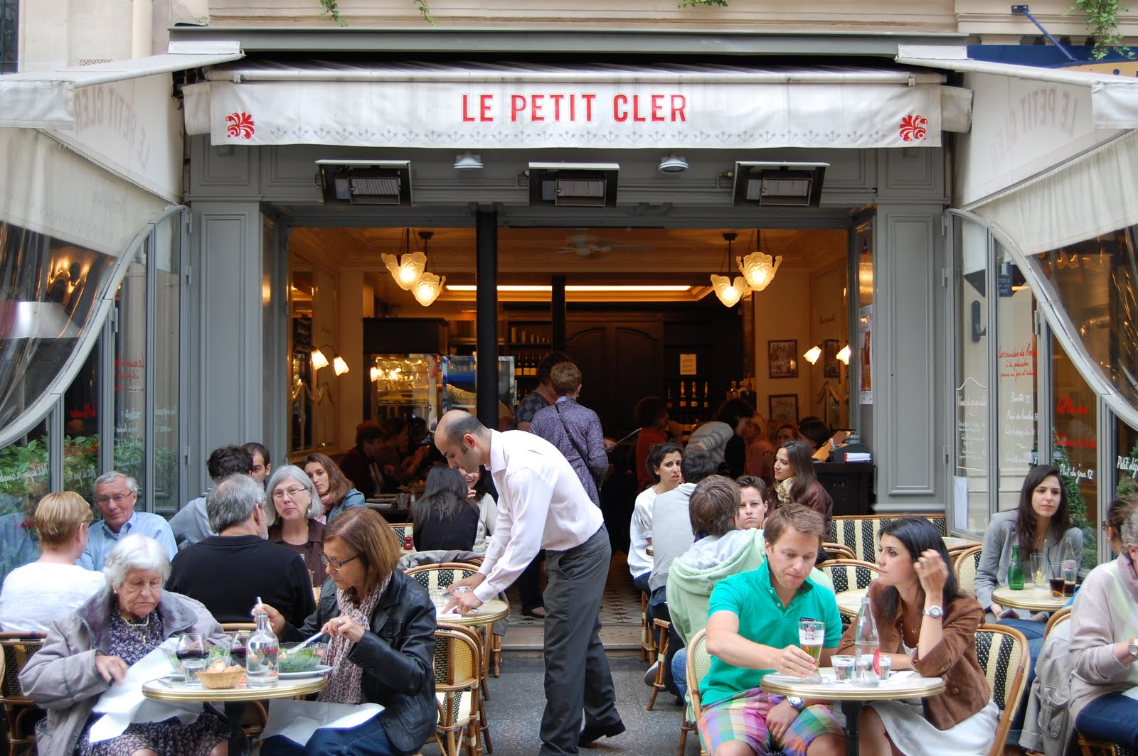 Food fairies due fate in cucina american food writers bloggers paris - La poste rue cler ...