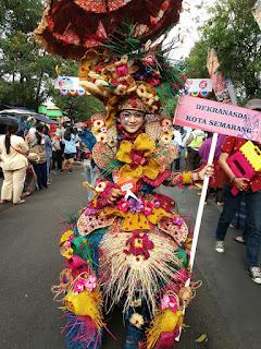 Kostum SNC 2015 Juara II di Dekranas Carnival