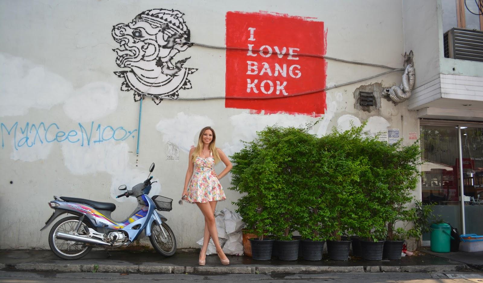 kristýna vacková, blog thajsko, thajsko, I love bangkok, flower dress, květované šaty, letní šaty, krátké letní šaty, outfit, český blog, thailand, blog o cestování, cestování na vlastní pěst do thajska, czech girl
