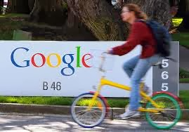 Google is the largest advertising agency, Google vs Apple, Google's first investor in U.S. volume