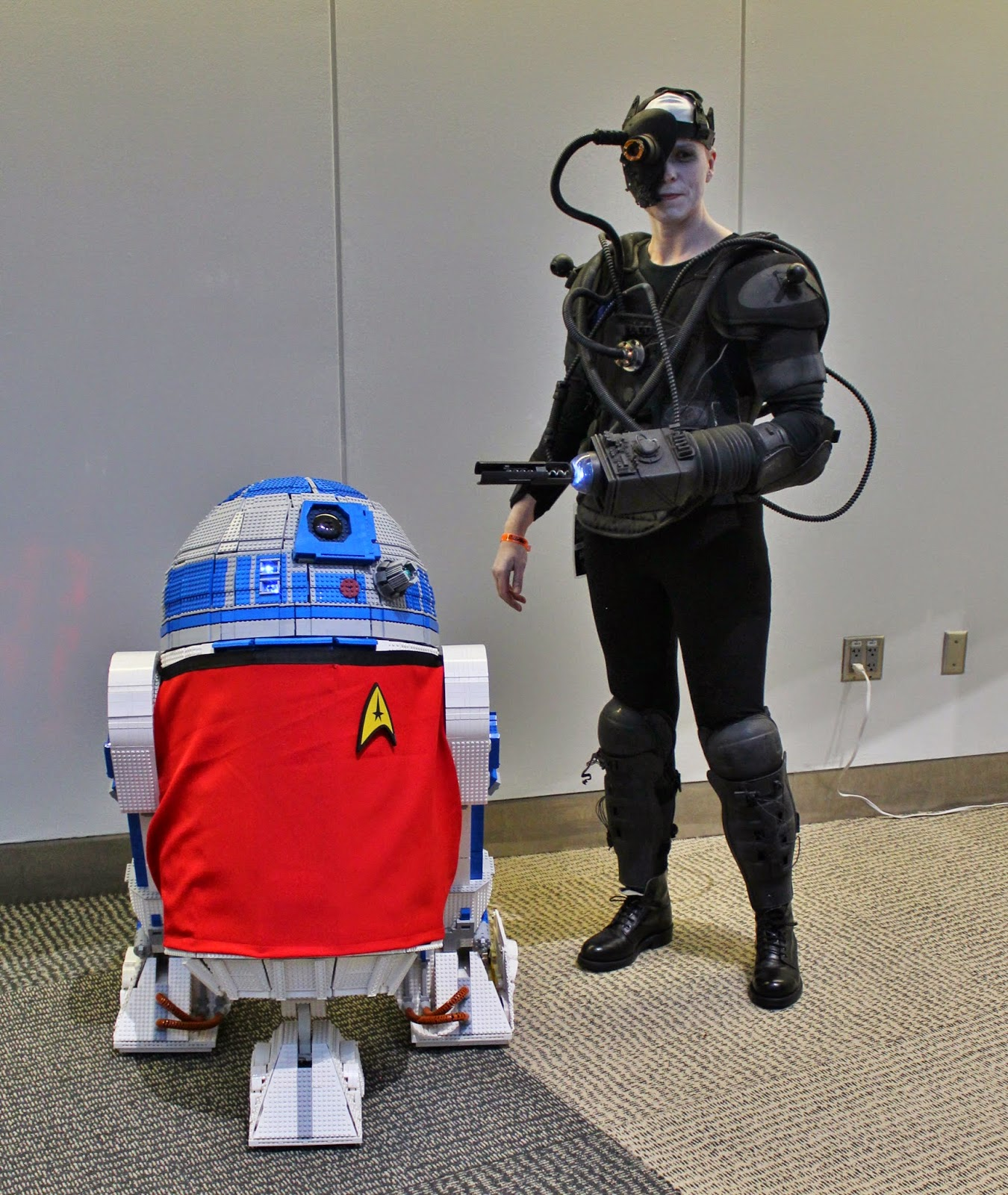 Borg Cosplay with Lego R2D2 in Red Shirt