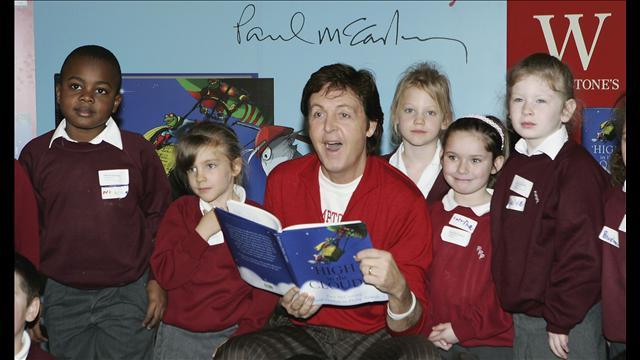 """The Beatles Polska: Spotkania z dziećmi przy okazji prezentacji książki Paula McCartneya """"High in the Clouds"""""""
