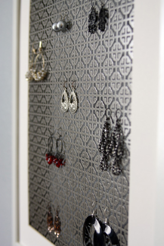 IHeart Organizing: A Simple DIY Jewelry Display