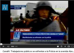 ÚLTIMO MOMENTO TRABAJADORES SE ENFRENTAN A LA POLICÍA EN AV ABANCAY