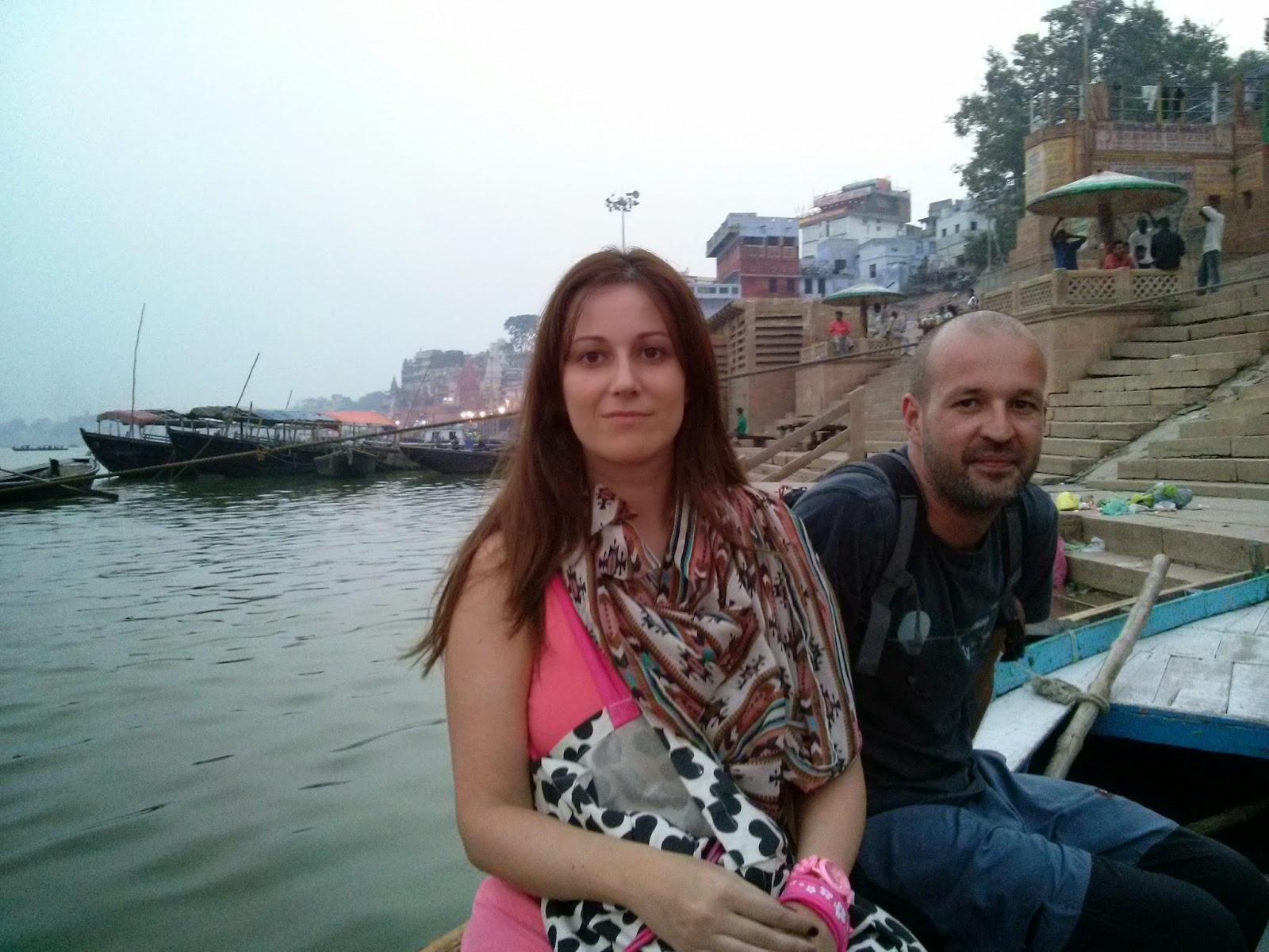 Viaje a India: paseo en barca por el rio Ganges en Varanasi (Benares)