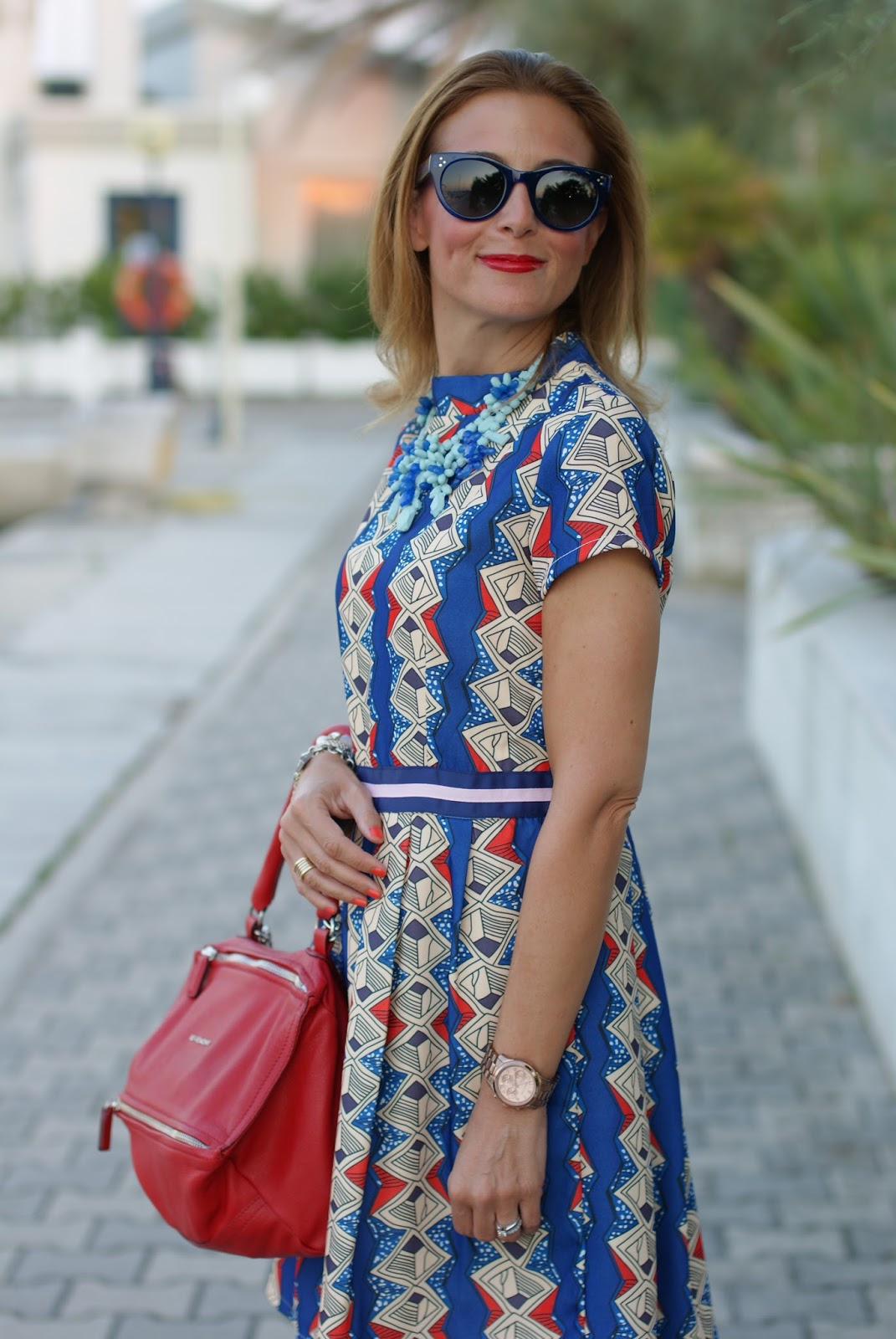 Zaful argyle print short dress, Givenchy Pandora bag in red and Blue sunglasses from Hype Glass on Fashion and Cookies fashion blog, fashion blogger style