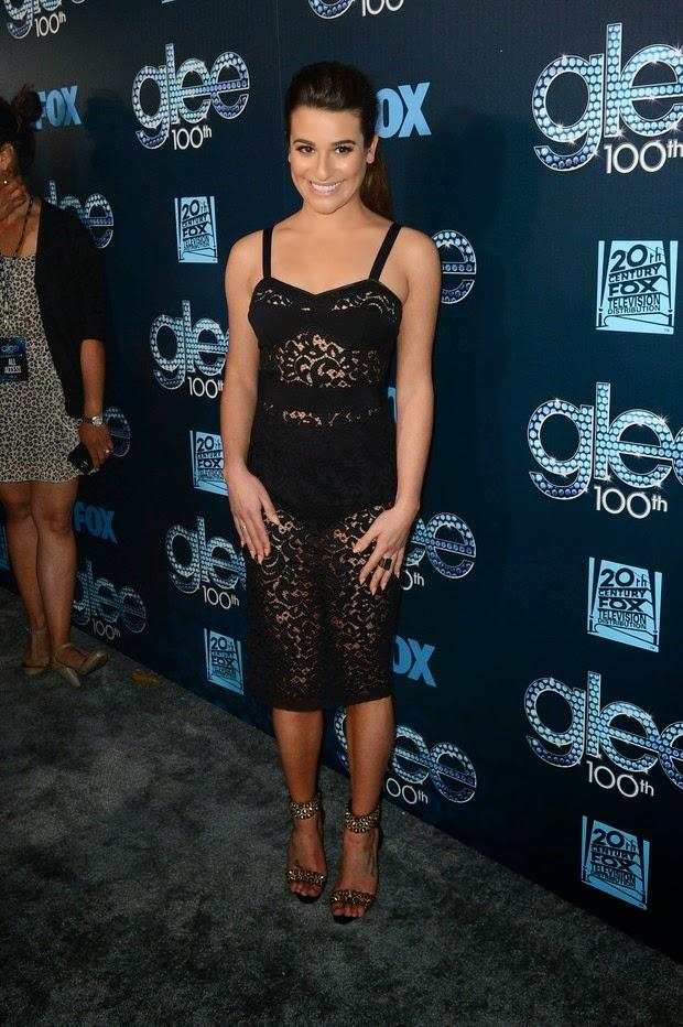 Lea Michele escolheu um vestido revelador para festa de Glee