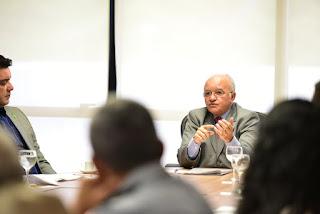 Governador José Melo reúne três poderes para discutir soluções para sistema penitenciário