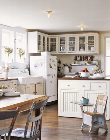 Http Kitchentrends1 Blogspot Com 2012 04 Farmhouse Kitchen Cabinets Html