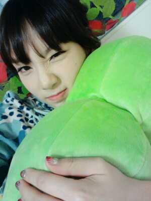 snsd+taeyeon+peas+(1).jpg