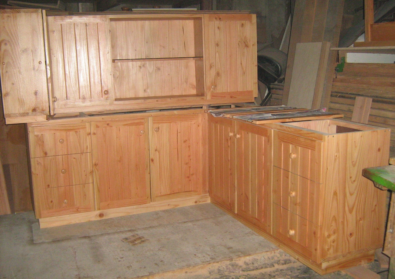Mueble de cocina fabricaci n de muebles puertas y - Mueble rinconera cocina ...
