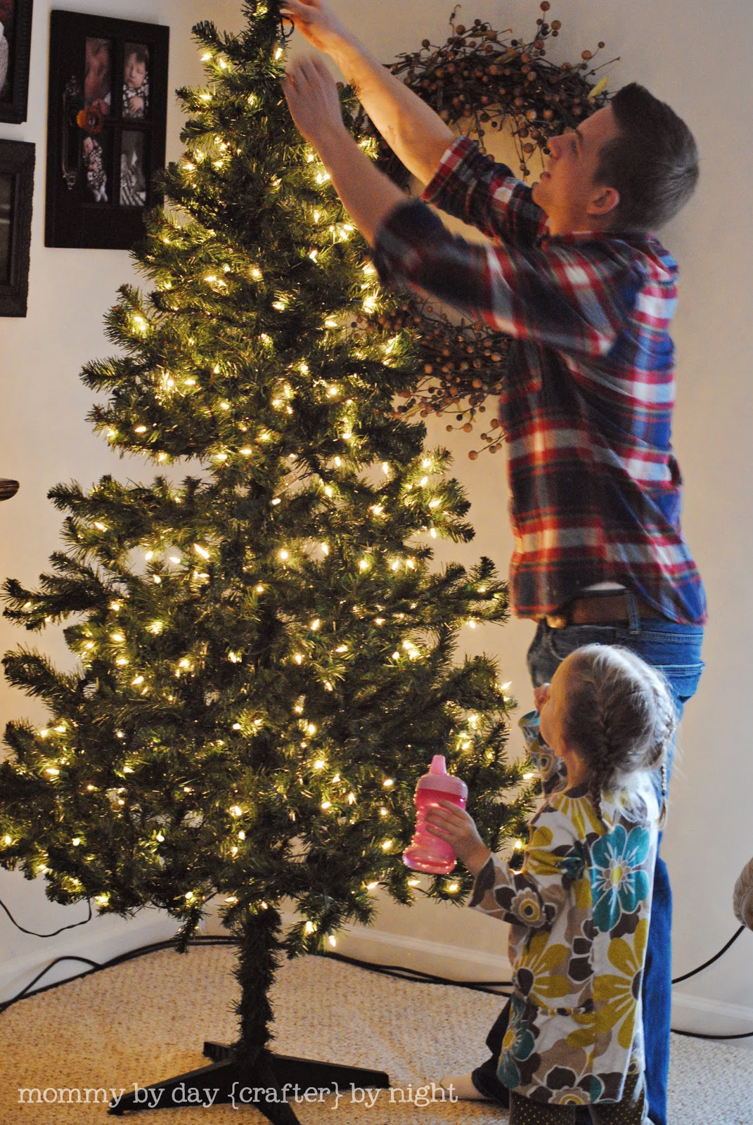 mommy by day crafter by night how to decorate your christmas tree on a budget - When Can I Put Up Christmas Decorations