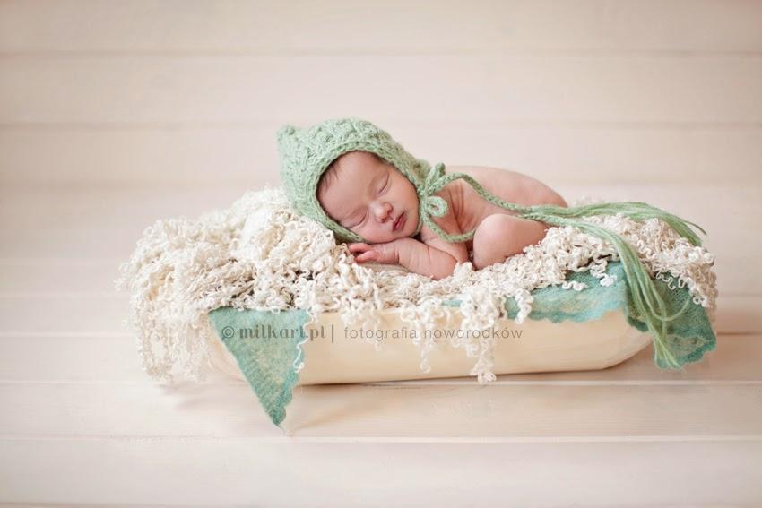 sesje zdjęciowe noworodków, fotografia niemowlęca, sesja fotograficzna rodzinna, zdjęcia dziecka w poznaniu
