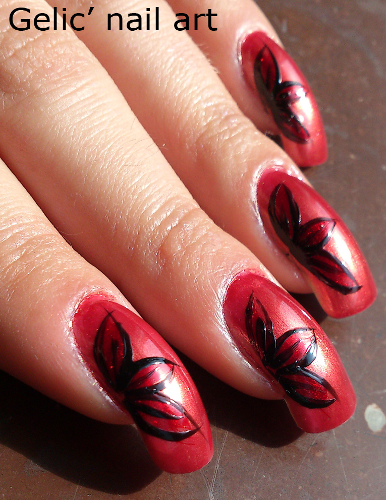 gelic nail and black flower nail