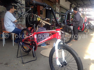 Sepeda BMX Thrill Agent Race