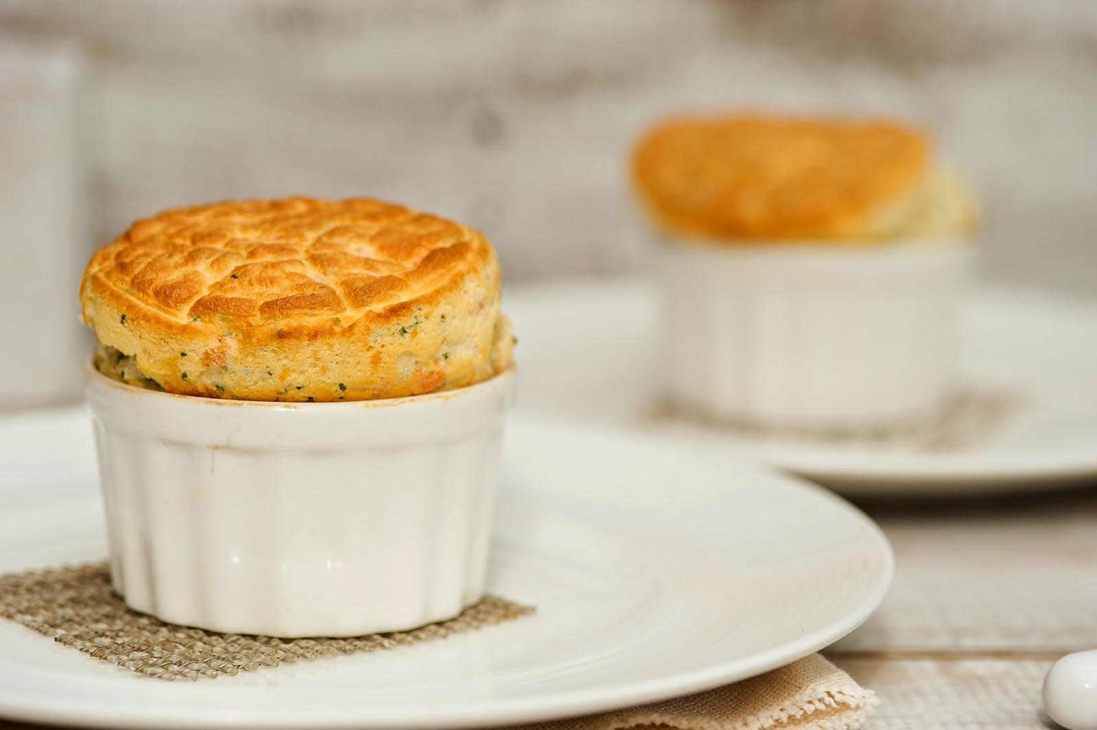 Slimming world: herbed cheese and bacon souffles.