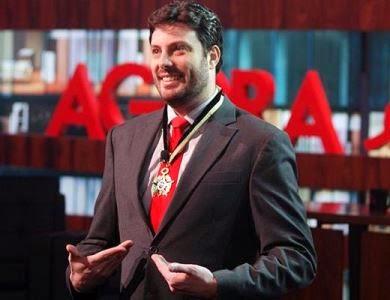 O comendador de verdade Danilo Gentili (Foto: Divulgação)