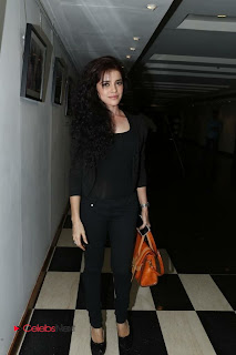 Piaa Bajpai Latest Picture Gallery in Black Dress at Back Bench Student Picture Exhibition at Muse Art Gallery  0016.jpg