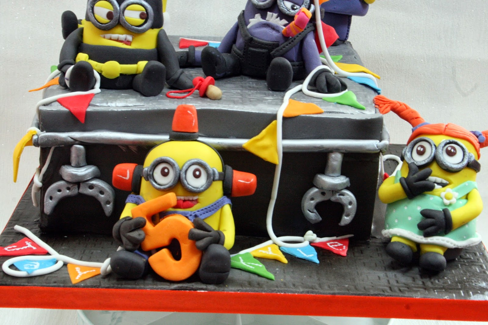 The Perfectionist Confectionist MINIONS