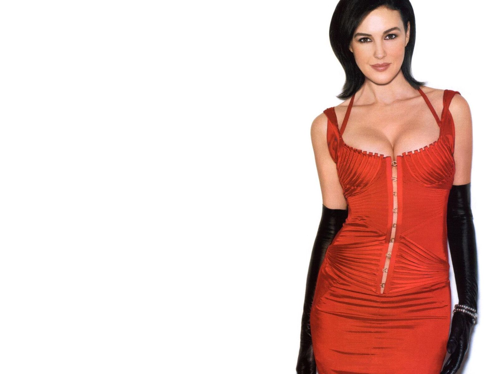 http://2.bp.blogspot.com/-m6TZE6PWy_E/Tt9NGsDj78I/AAAAAAAADZI/OMrOPijU_Yo/s1600/Monica+Bellucci+in+a+beautiful+red+dress.jpg