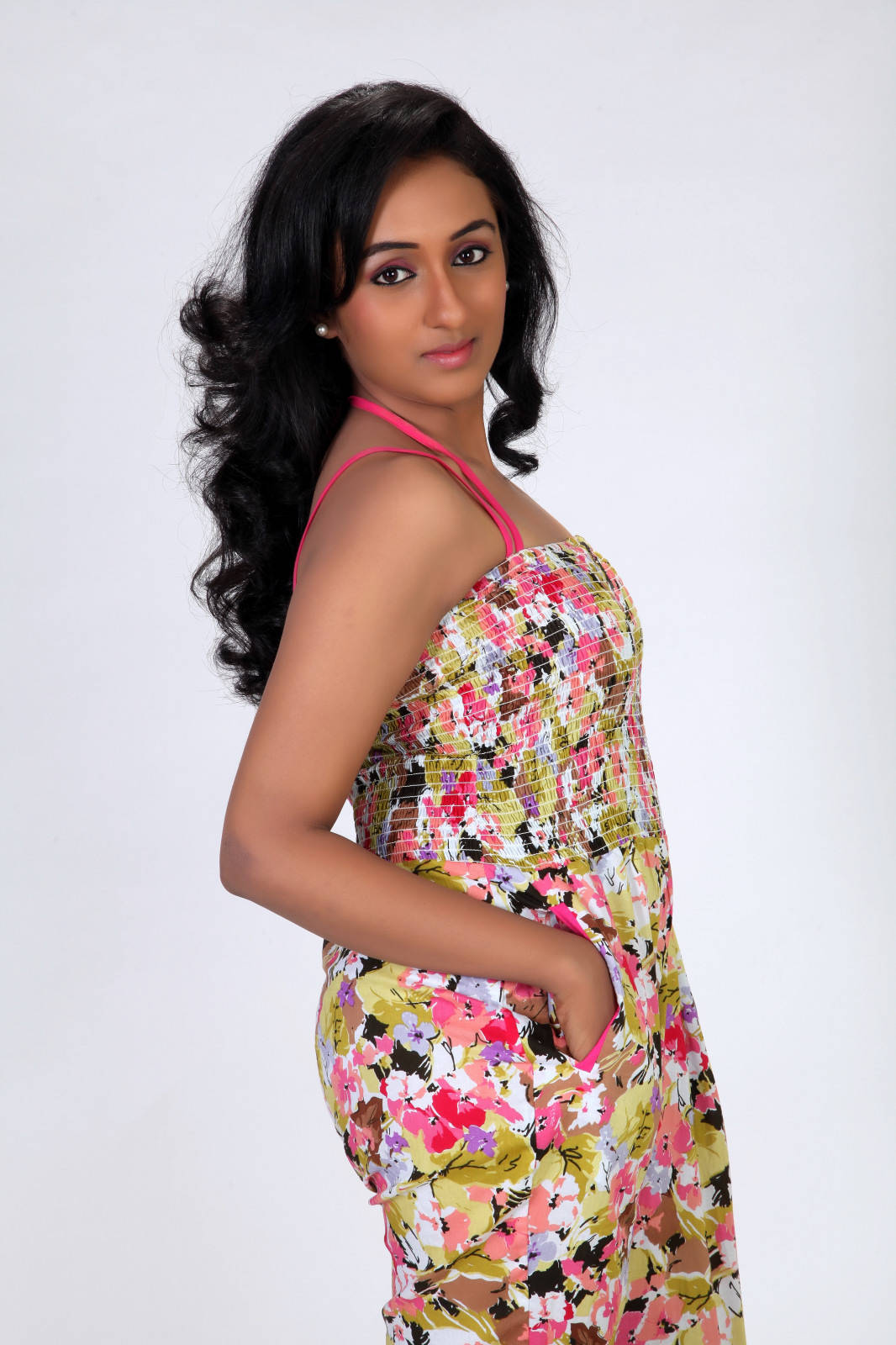 Actress Shritha Latest Cute Hot Spicy Photoshoot Gallery
