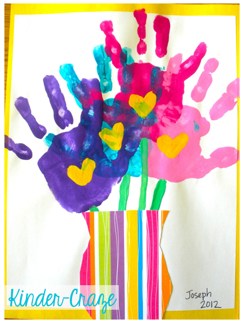 adorable handprint bouquet. Perfect for Mother's Day!