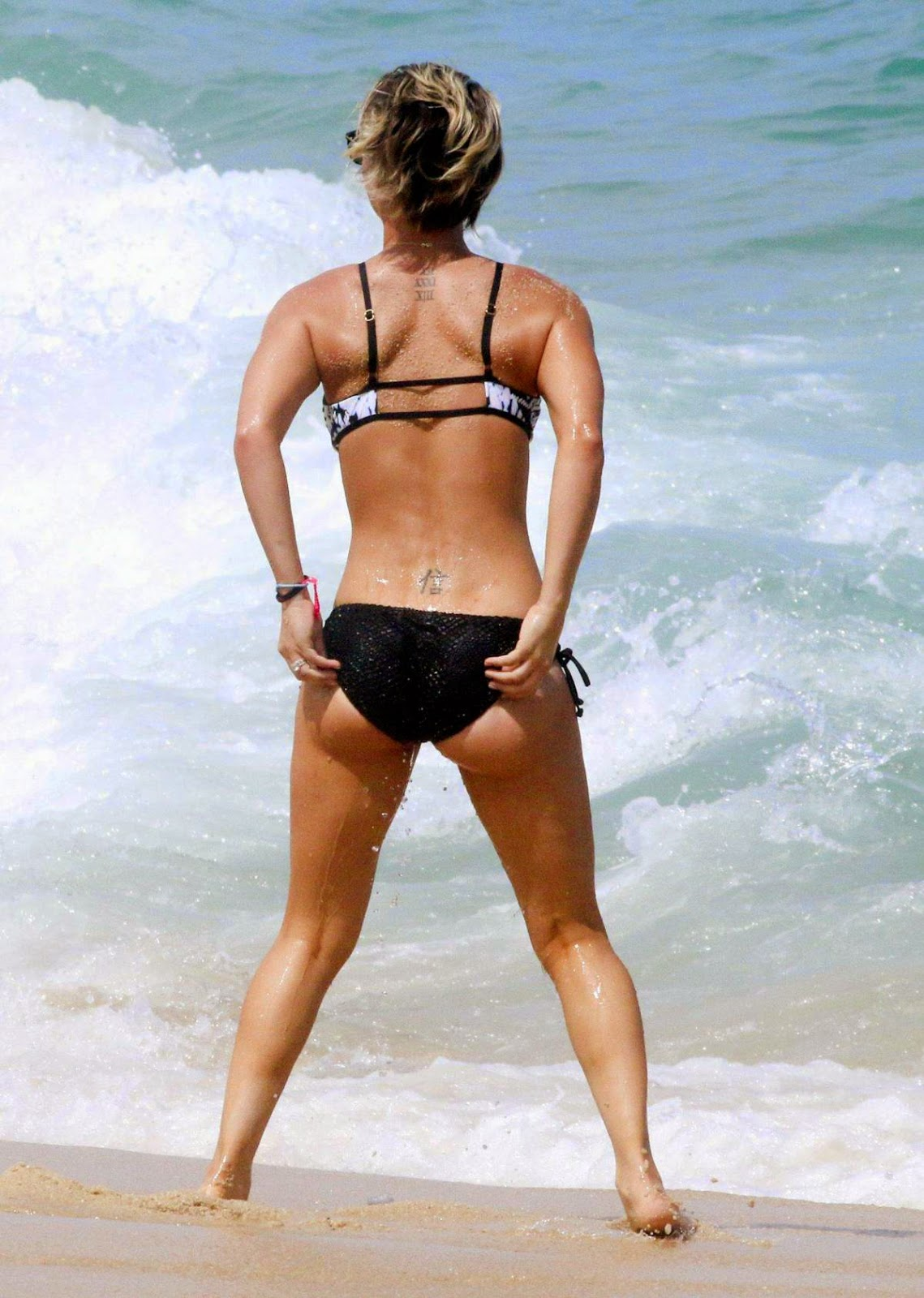 Kaley Cuoco HOT Bikini Candids in Mexico