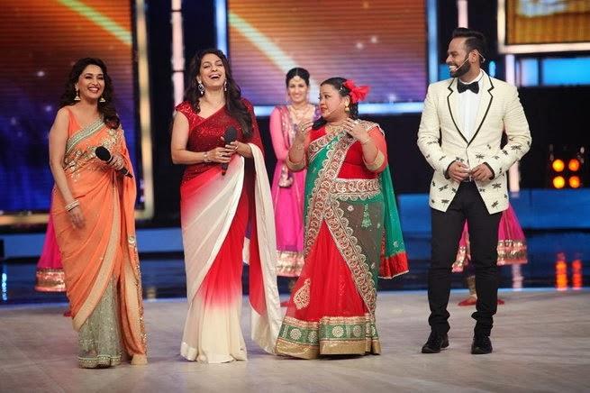 http://2.bp.blogspot.com/-m6tP95dtB7Q/UxtUbtcntmI/AAAAAAABruQ/J2S49u579Ks/s1600/Madhuri+&+Juhi+Chawla+promotes++Gulab+Gang+on+India%27s+Got+Talent+Finale+(13).jpg
