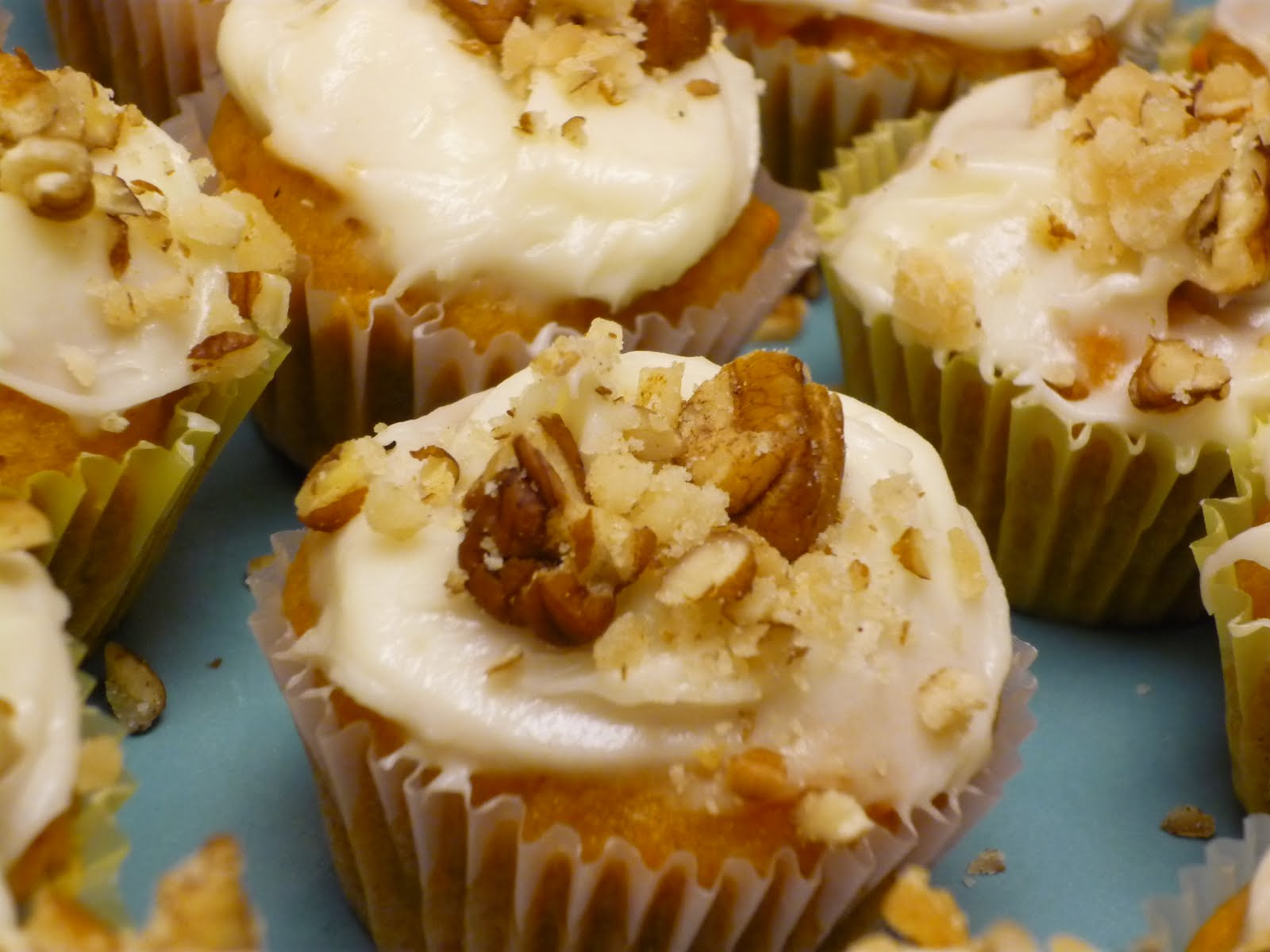 The Persnickety Palate: Mini Sweet Potato Cupcakes