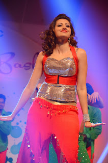 Hamsa Nandini Dances on Stage for Global Logic Annual Bash Spicy Beauty