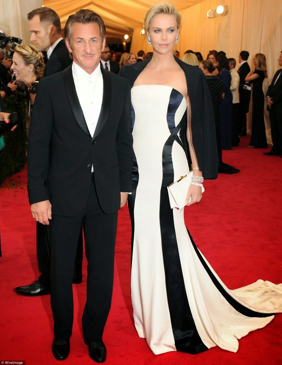 White Tie With Decorations Couple Love At The Met Gala Red Carpet