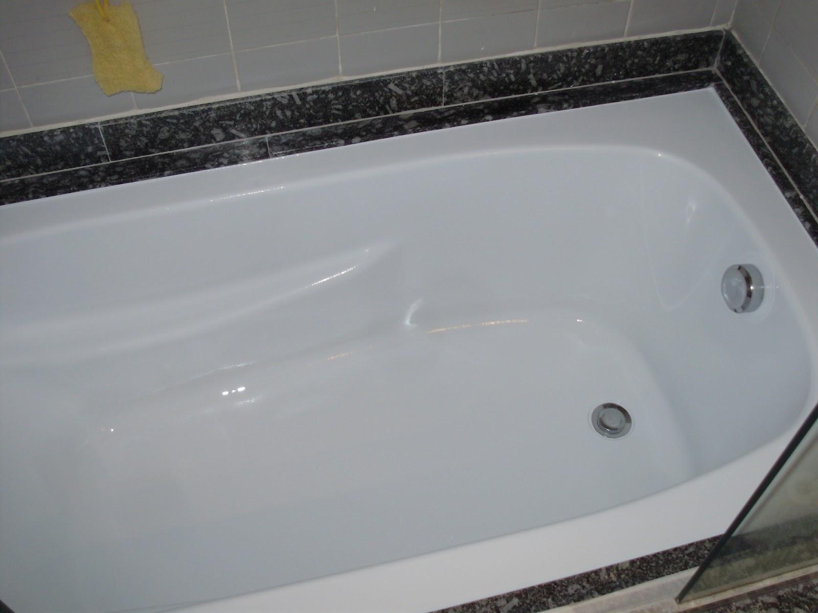 fazendo acabamento e preparando a pintura da banheira com uma nova cor #756A45 1600x1200 Banheiro Com Banheira Antiga