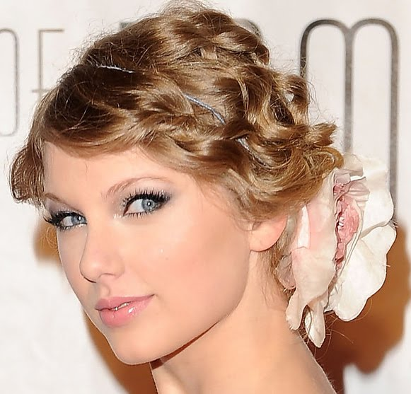 HairStyles Blog: Taylor Swift Hairstyles