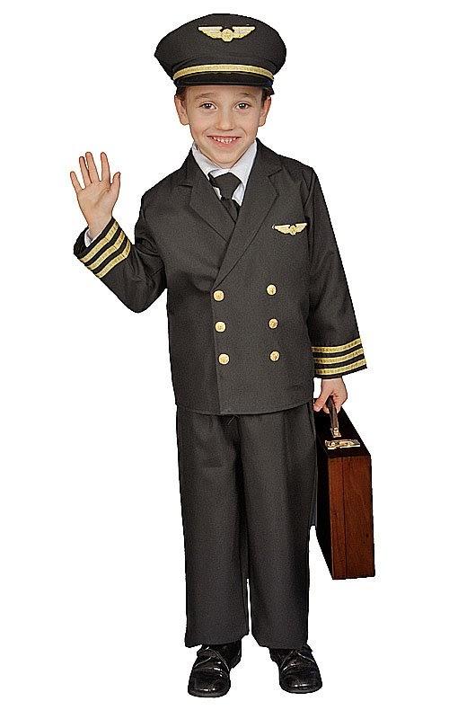 Foto anak laki-laki memakai kostum pilot