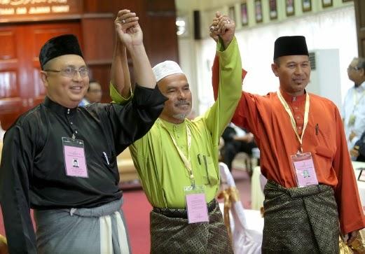 Mat Razi Mat Ail (BN), Wan Rosdi Wan Ibrahim (PAS), Izat Bukhary (BEBAS)