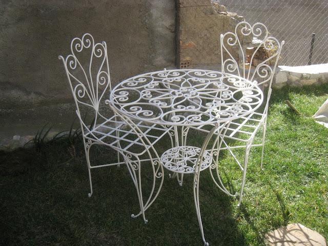 Mi forja yunque hierro y fuego mesas y mesitas for Sillas hierro jardin