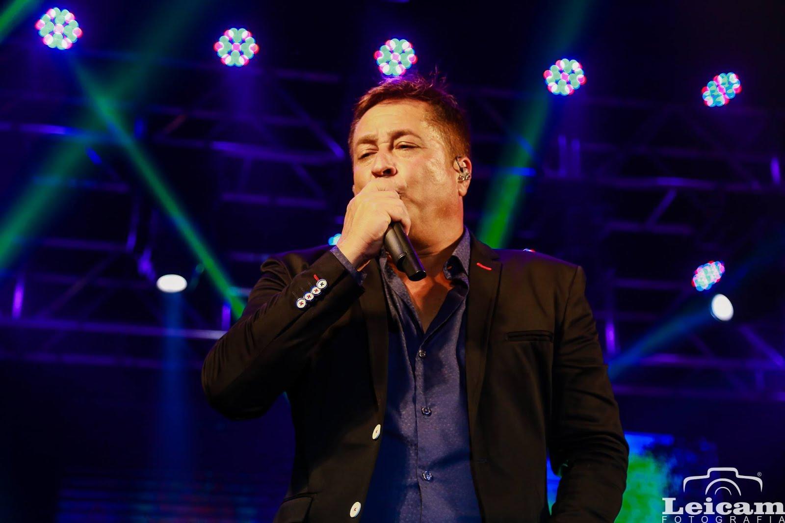 Turnê Canto Bebo E Choro🍷🍷 Leonardo em  ITAJUBÁ/MG 10/11/2018