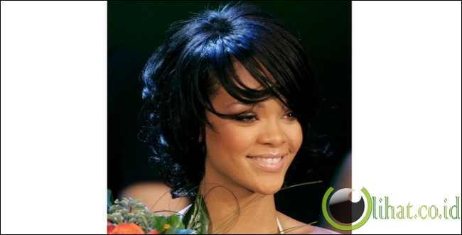 18 Desain Rambut Rihanna dari Masa ke Masa