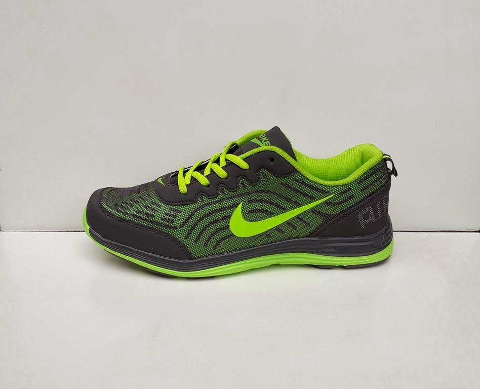 gambar sepatu, sepatu Nike Air Max Turbulence 13,